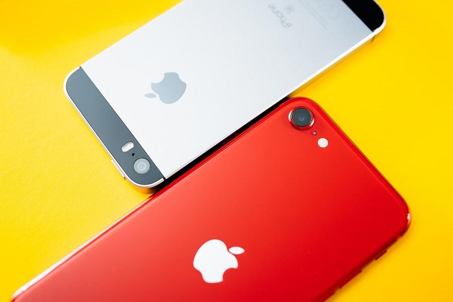 Apple ide so svojimi procesormi stále vpred a aj tak kompaktné modely, ako sú iPhony SE, sa môžu pochváliť výkonným procesorom.